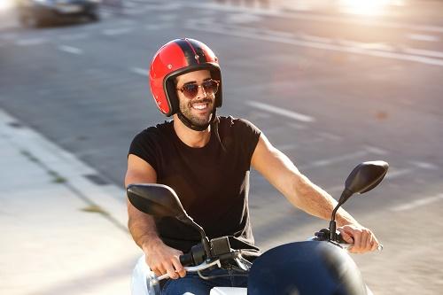 une casquette moto stylée et de qualité.